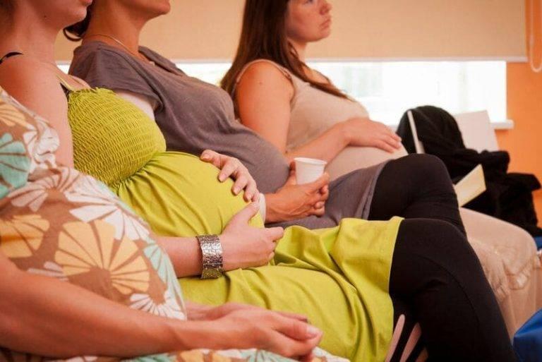 К чему снится беременная подруга:считается благоприятным знаком - сонник: беременная подруга