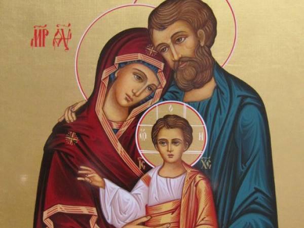 Иконы и молитвы, оберегающие дом и семью