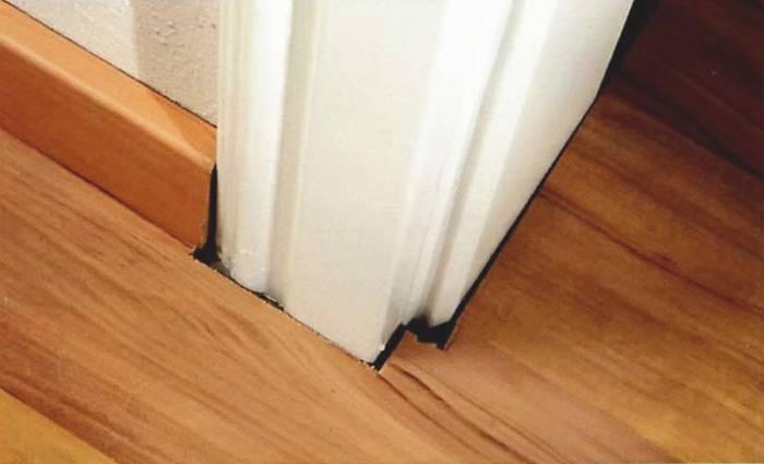 Для чего втыкают иголки в дверные косяки и чем это грозит