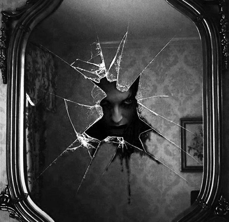 Можно ли смотреть в разбитое зеркало