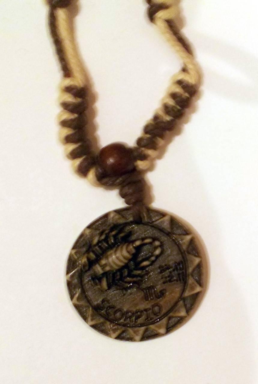 Талисманы, обереги и амулеты для скорпиона: предметы, камни для женщин и мужчин, по дате рождения