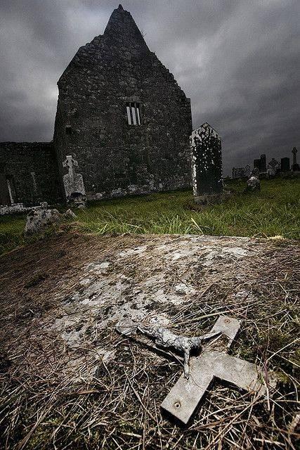 Самые страшные кладбища и могилы – реальные истории, легенды, поверья