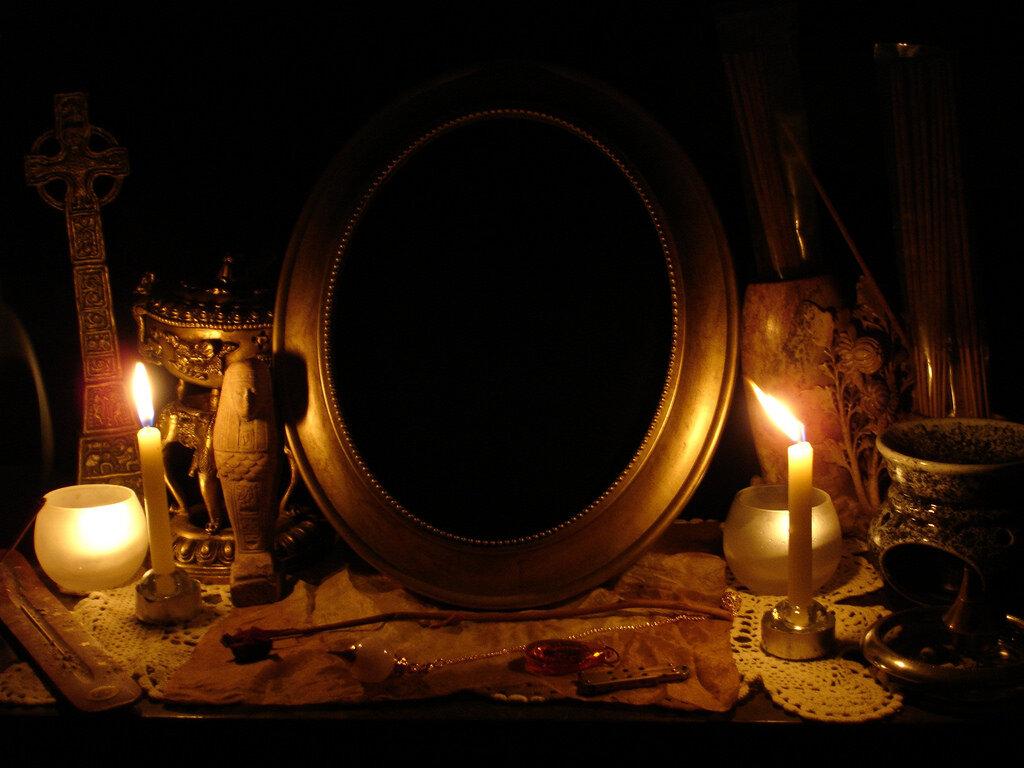 Магия зеркал: приметы и мистические свойства