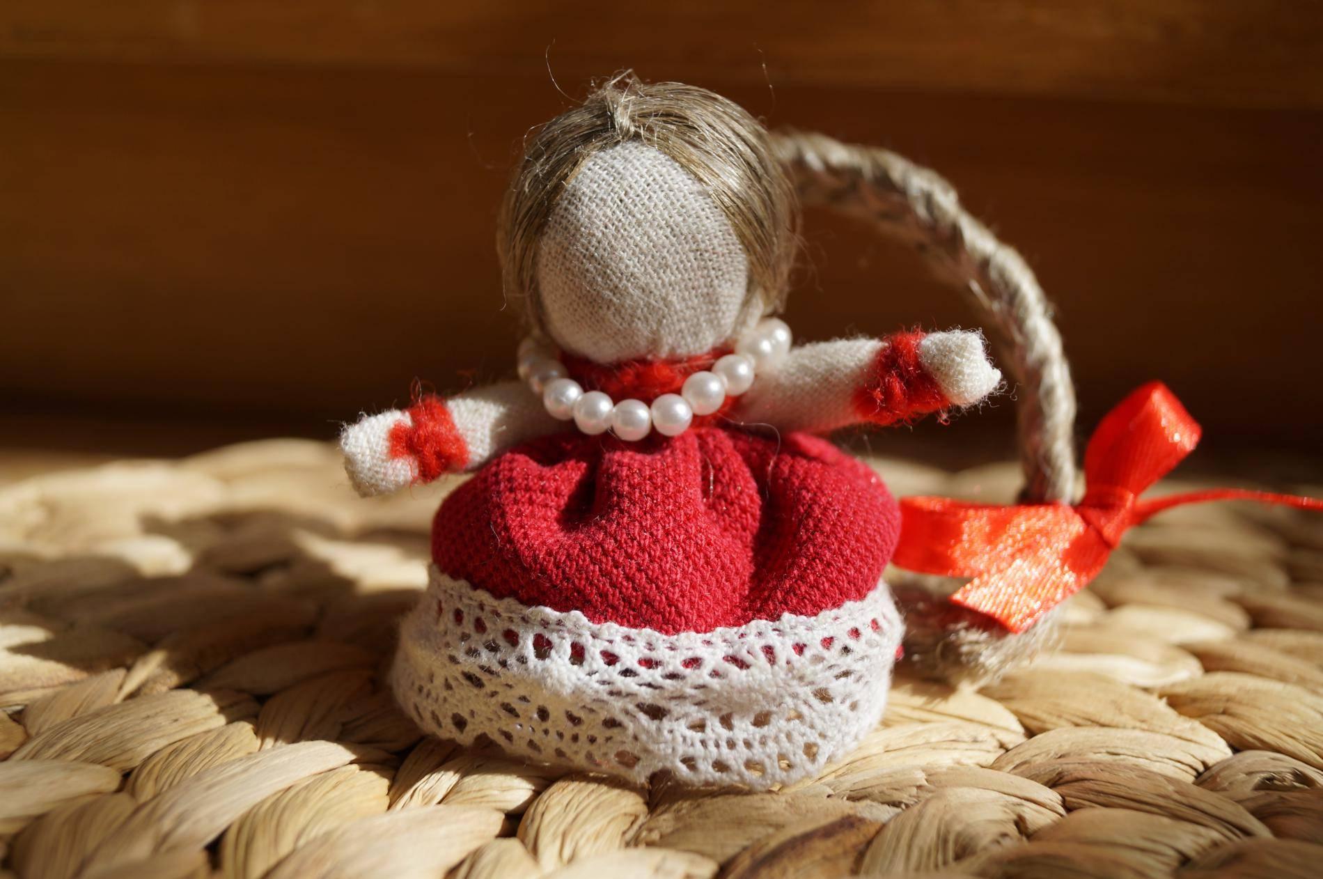 Привлечение достатка в семью – кукла оберег благополучница с монеткой внутри