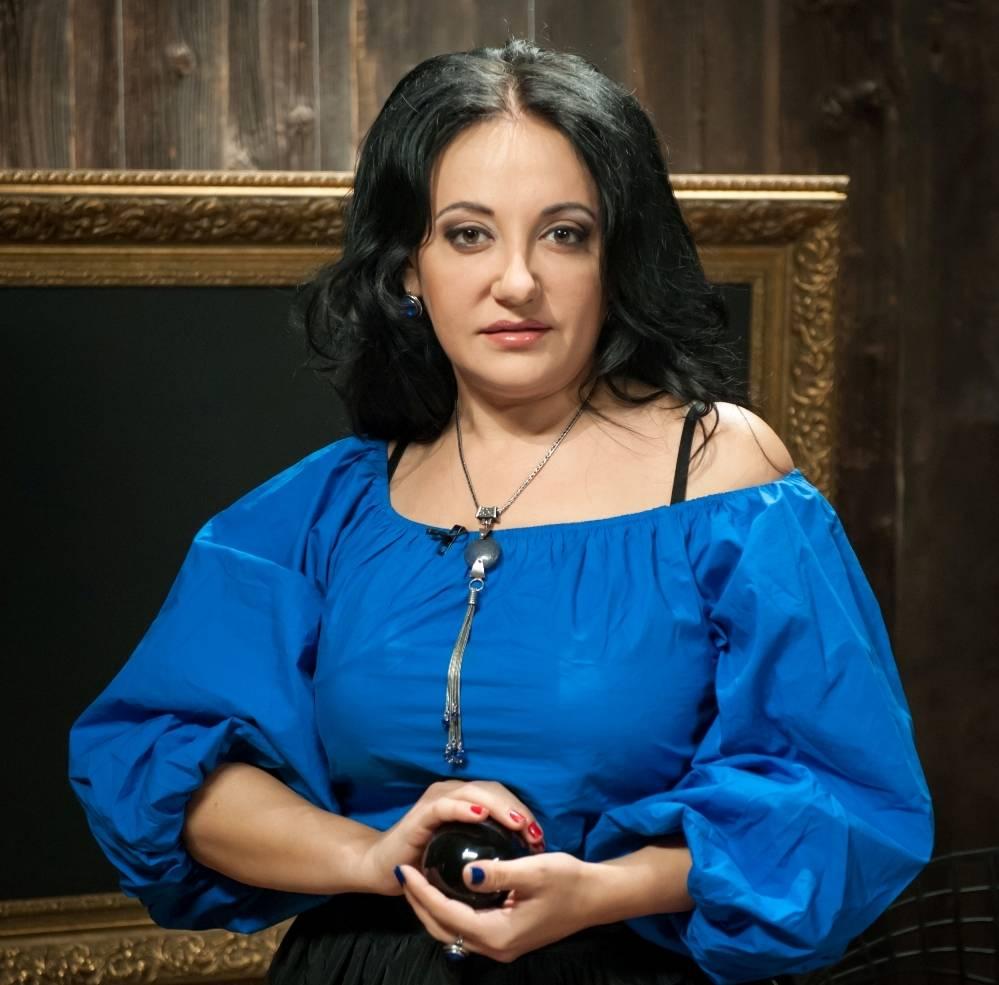 Официальный сайт фатимы хадуевой и страничка в контакте