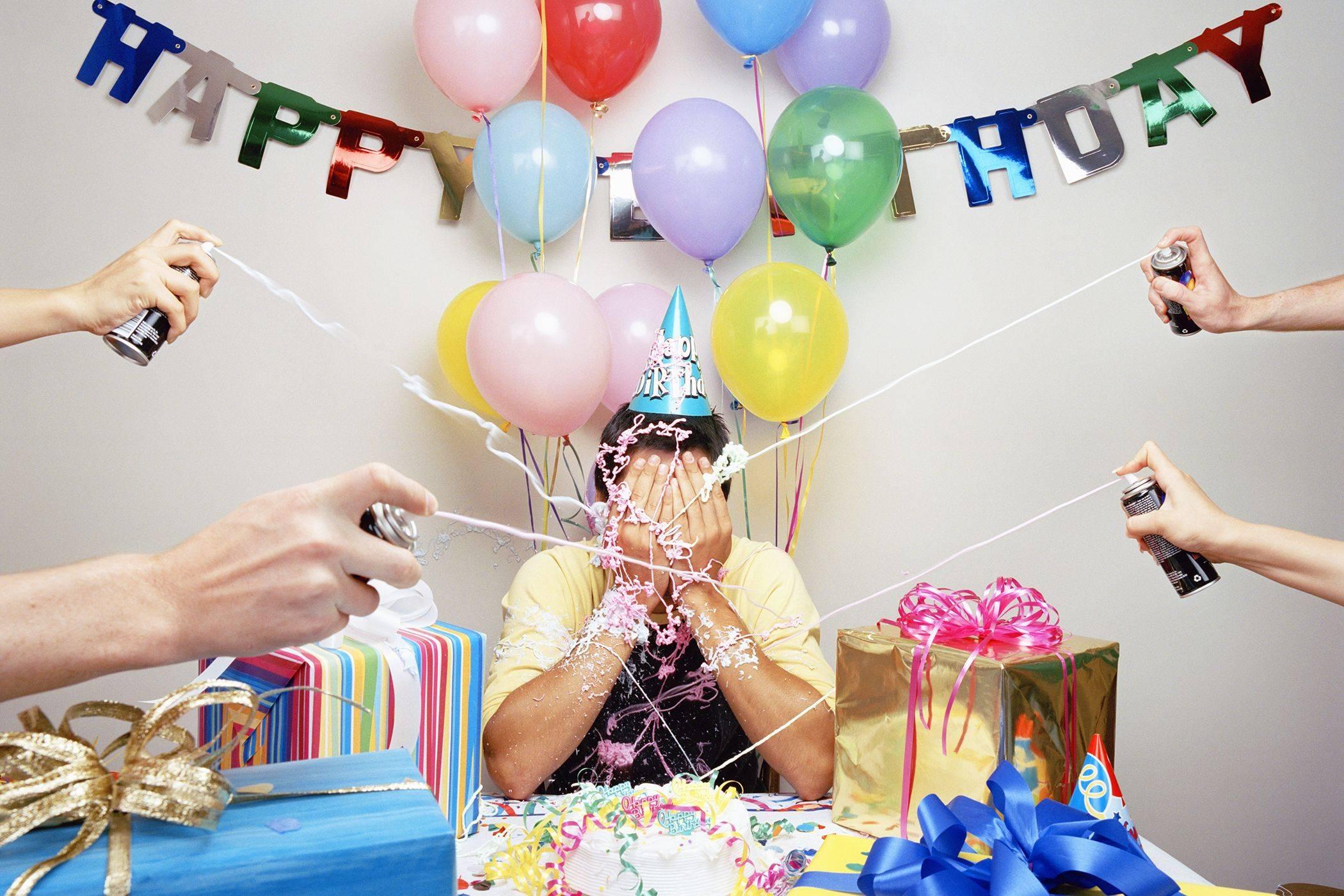 Приметы на день рождения: что можно и что нельзя делать