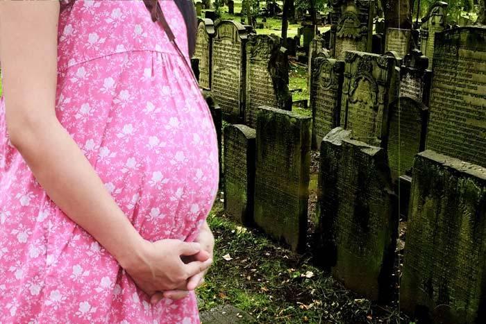 Можно ли беременным ходить на кладбище, похороны