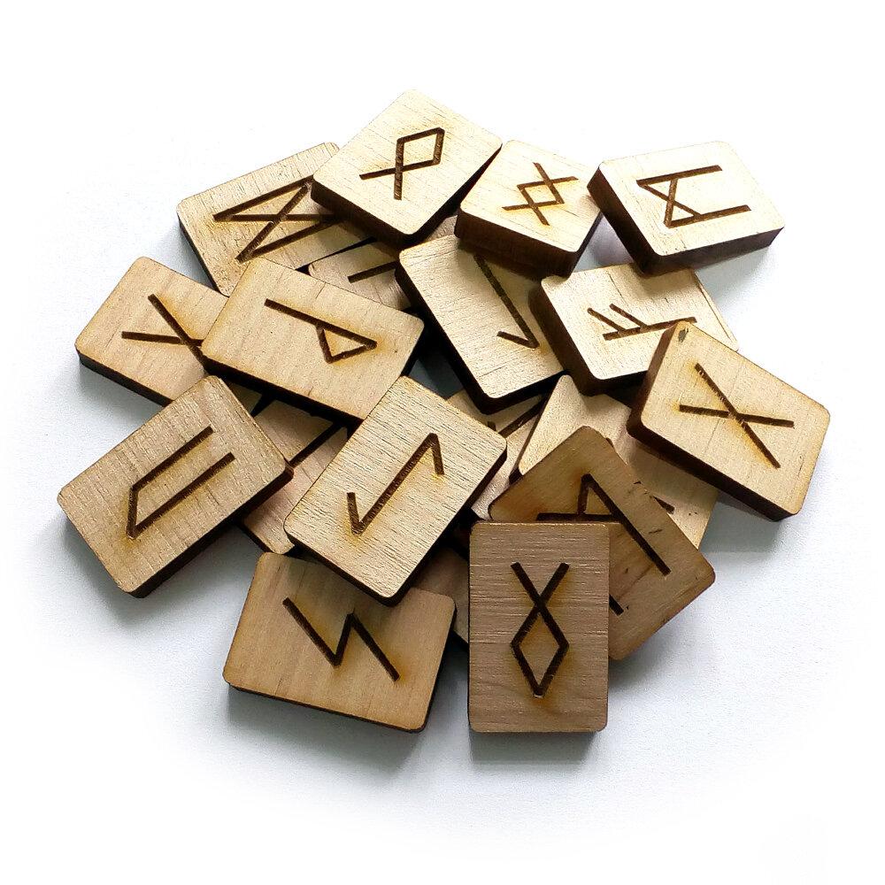 Как сделать руны своими руками: из дерева, камней, бумаги, глины, кожи