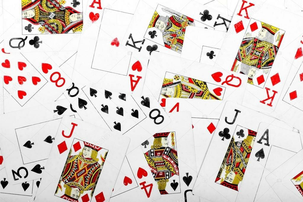 Как гадать на 36 игральных картах: секреты, техники и значения