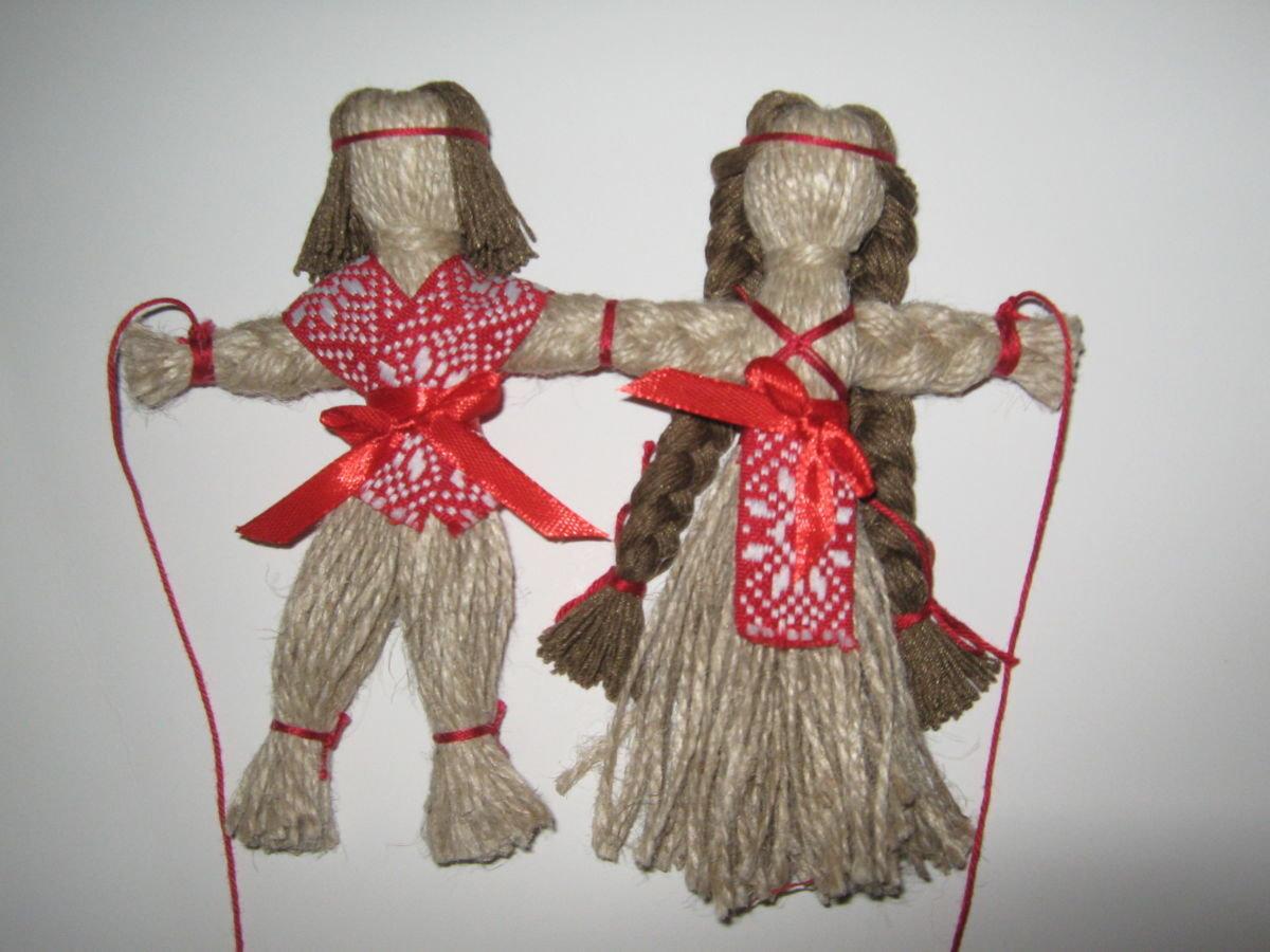 Как пошить красивую куклу из ниток и тканей