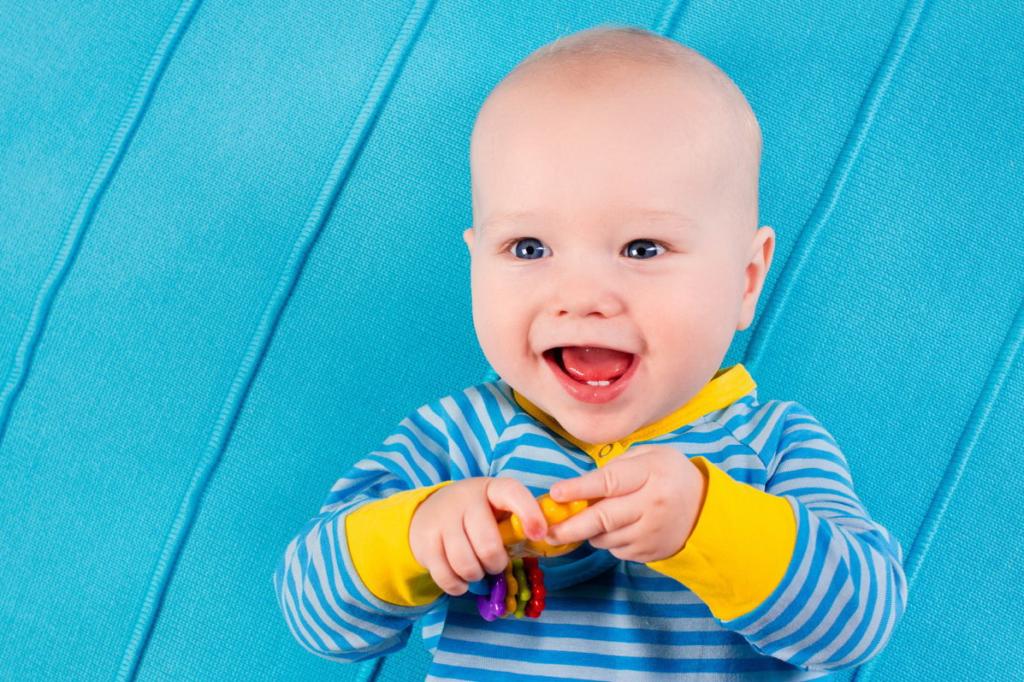 Приметы про первые зубки у малыша. обычаи и приметы, связанные с первым прорезавшимся зубом у ребенка