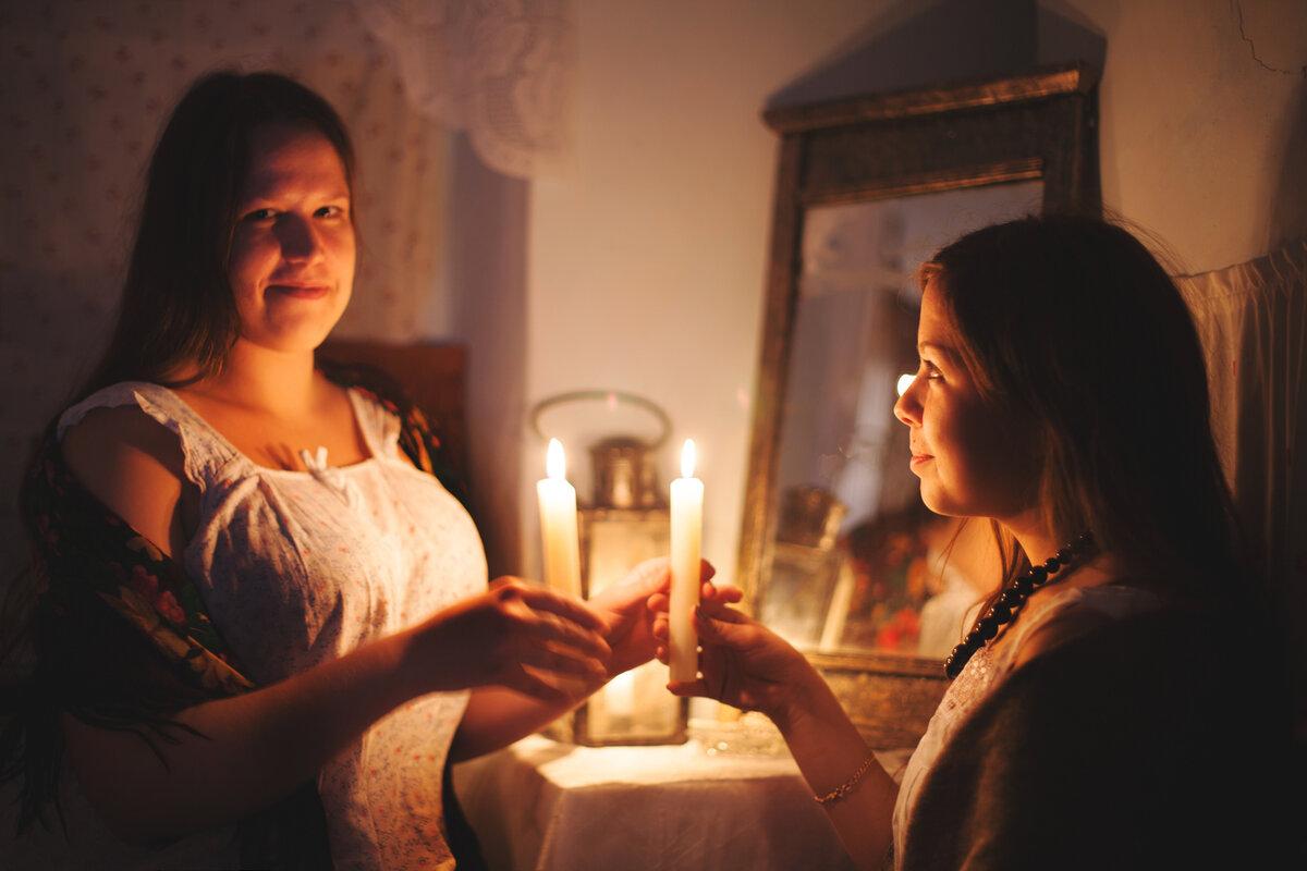 Правдивые и легкие гадания на рождество в домашних условиях: на бумаге, свечах, картах