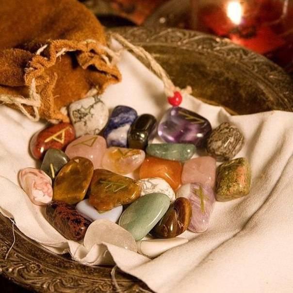 Гадание на камнях - значение цвета и количества камней в гадании