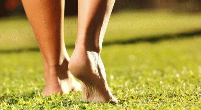 """""""споткнуться на левую ногу"""": примета и её толкование"""