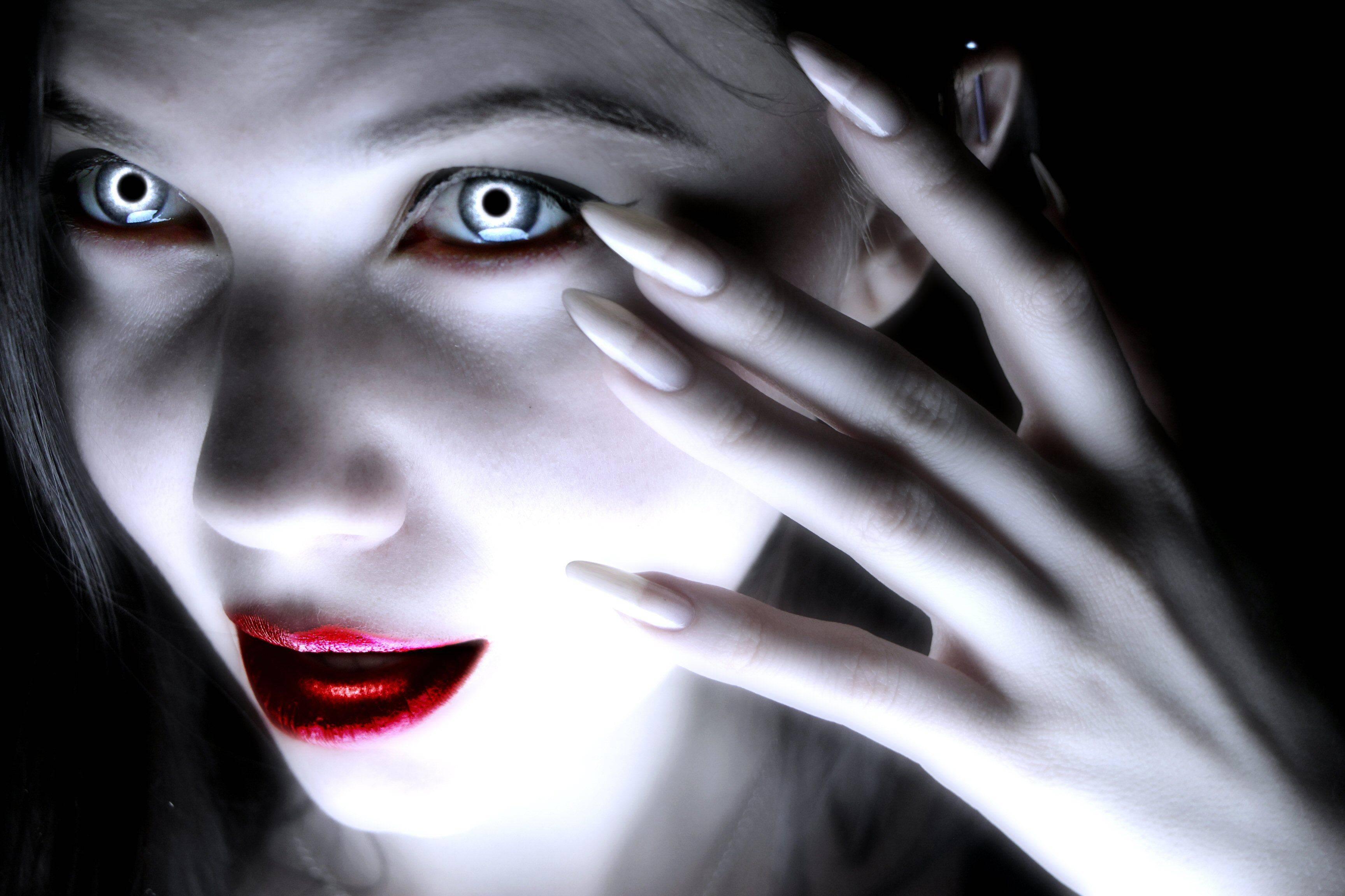 Существуют ли вампиры: легенды, домыслы и доказательства