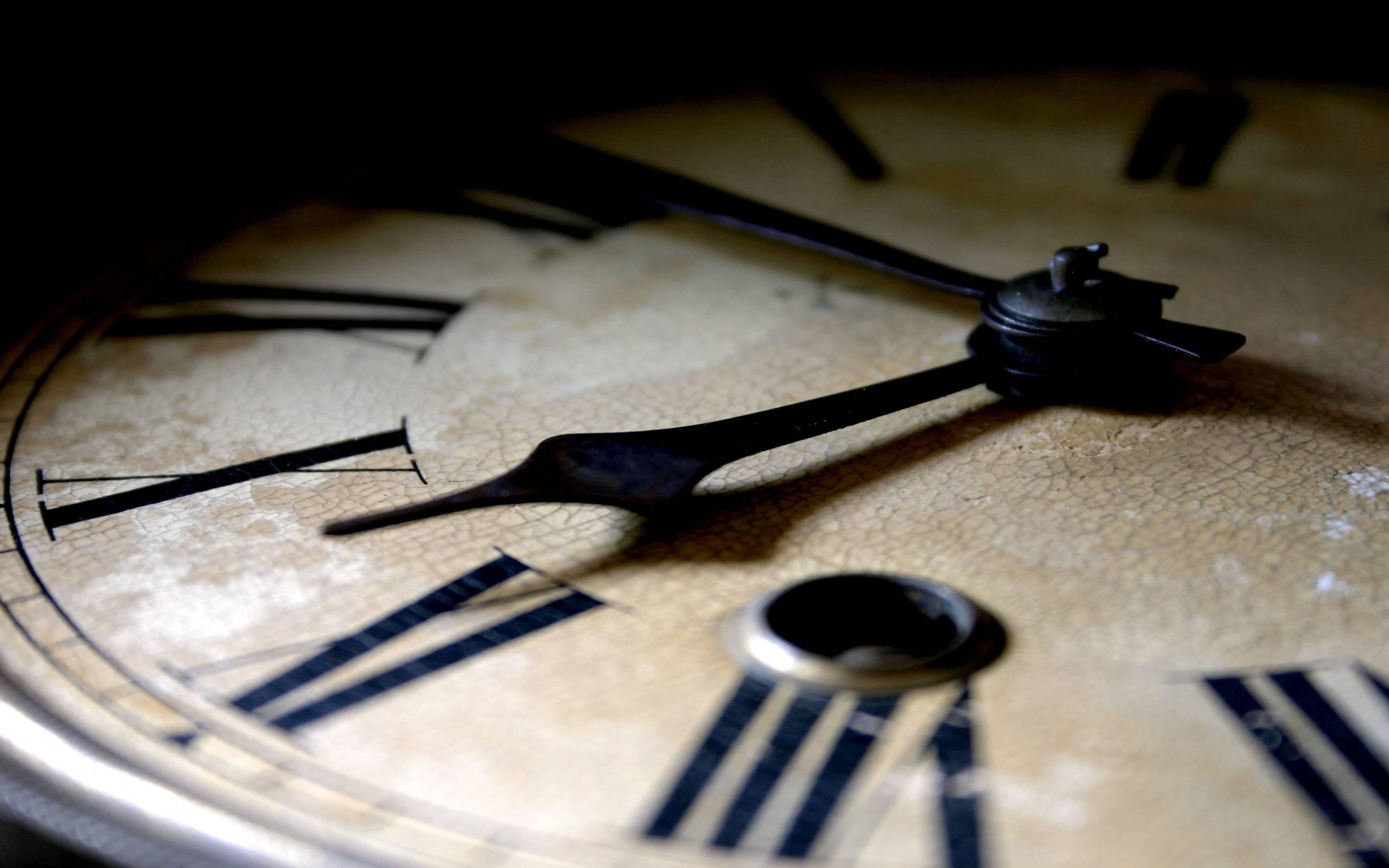 Что значат одинаковые цифры на часах?