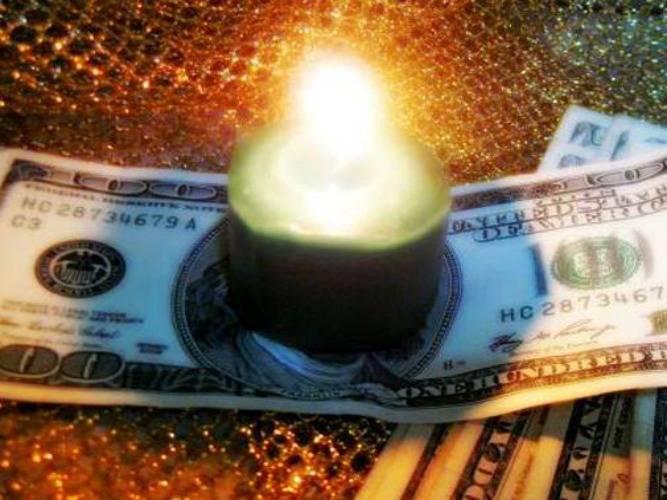 Как читать заговор на удачу и деньги в домашних условиях: какие самые сильные молитвы, заклинания, ритуалы и обряды на богатство, которые реально помогли