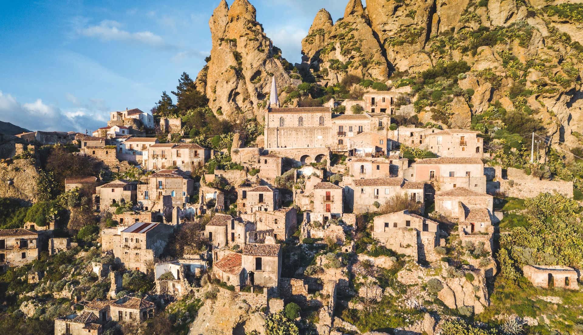 Монтероссо италия: достопримечательности, как добраться, отели, фото, пляж