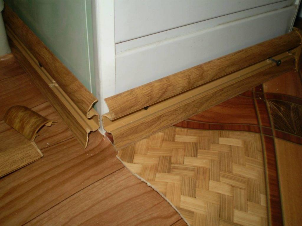 Нашли иголки в дверном косяке, как быть? вопрос от ирины. иголки, воткнутые над дверью - что это