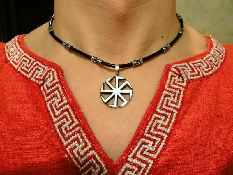 Символ бога чур: значение славянского оберега