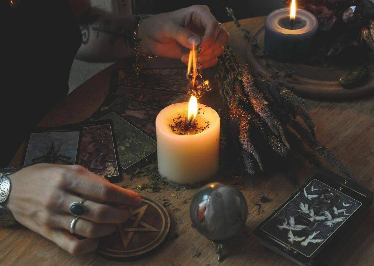 Как используют деньги в ритуальной магии