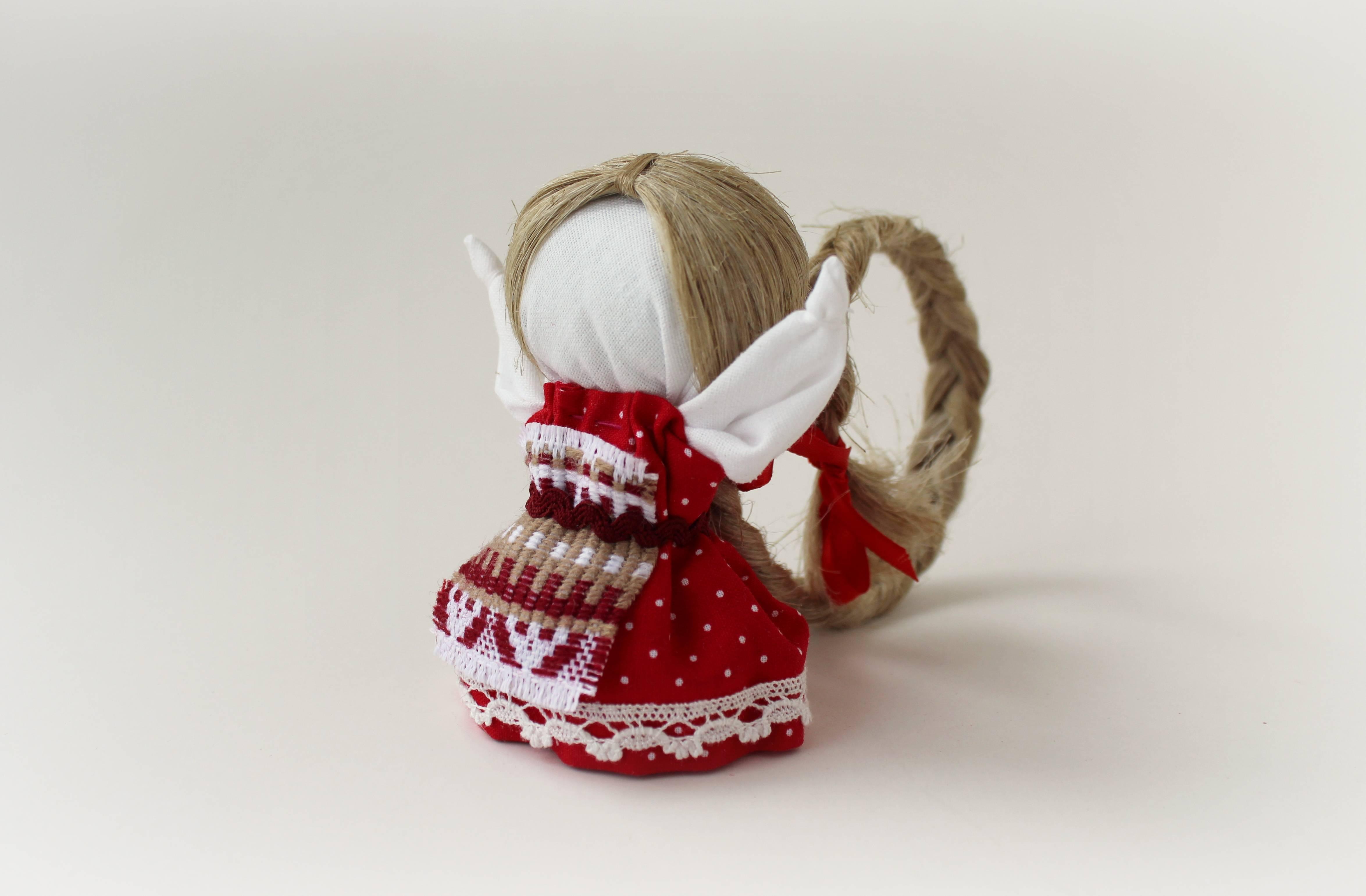 Кукла оберег благополучница (денежница): мастер класс по изготовлению своими руками для хозяюшек с монеткой внутри, чтобы дом был полной чашей