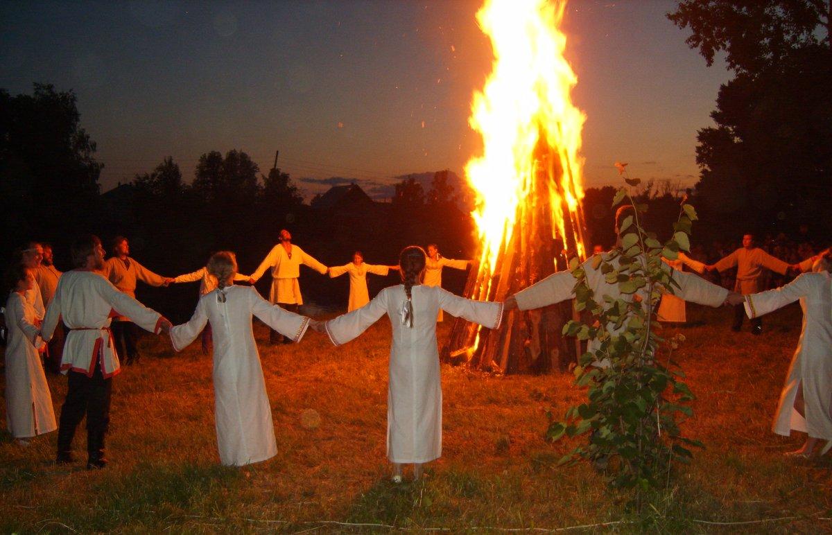 Обычаи, обряды и традиции на троицу