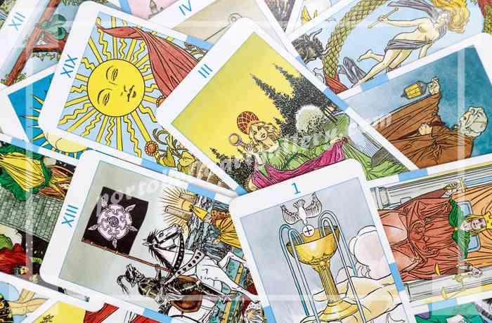 Какие карты таро лучше купить для начинающих: виды, выбор