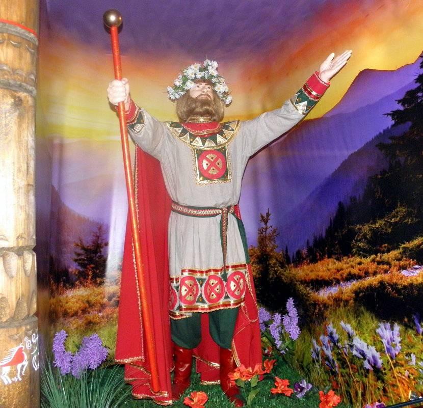 Легенды, символы и атрибуты бога солнца ярило. чему покровительствует языческое божество?
