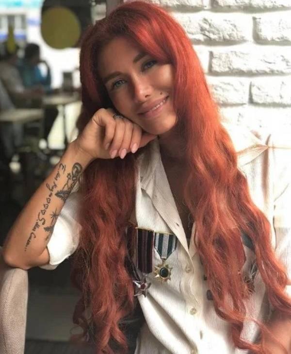 Николь кузнецова — болезнь и причина ношения шарфа. экстрасенс николь матвеева — талант и отзывы на него проекты и планы