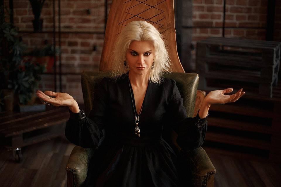 Татьяна ларина официальный. татьяна ларина — экстрасенс и сумеречная ведьма, биография. биография сумеречной ведьмы татьяны лариной