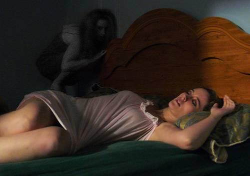 Почему душит домовой ночью. домовой душит во сне — почему так происходит
