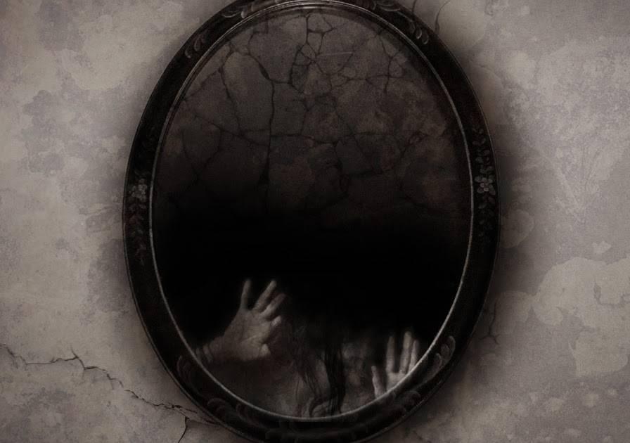 Что делать если разбилось зеркало: приметы и их значение, куда деть осколки, можно ли смотреть в разбитое зеркало.