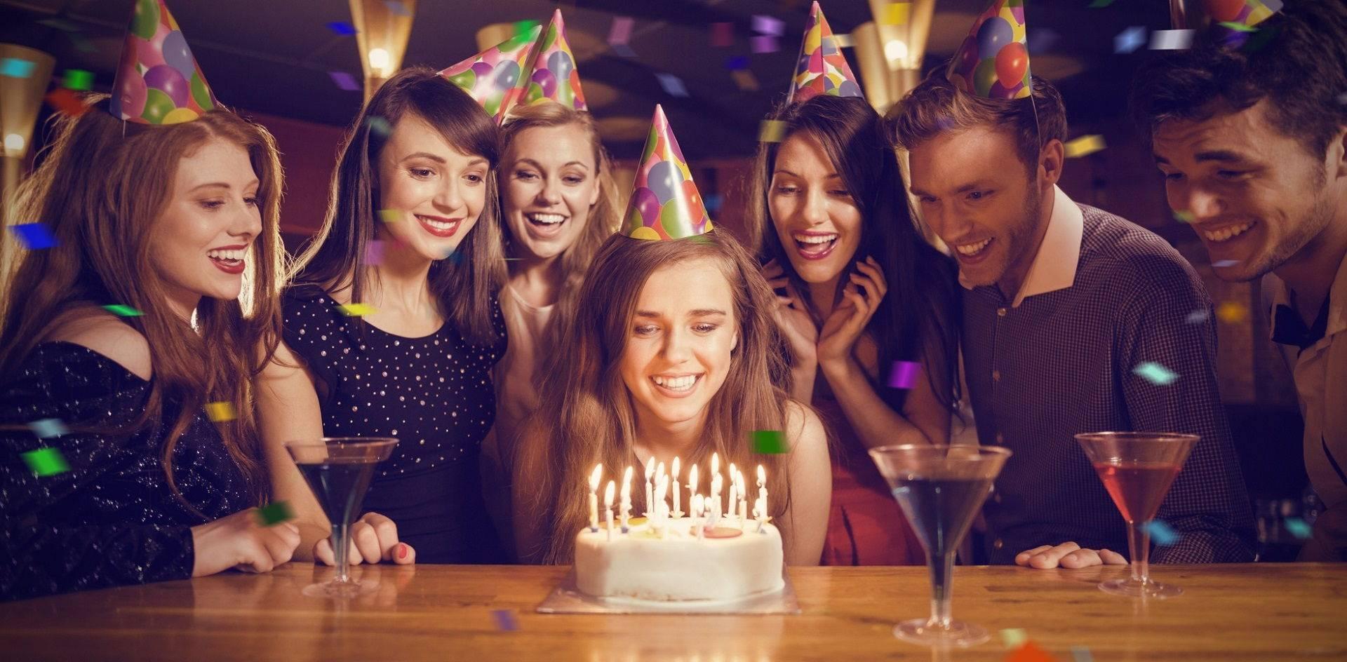 Почему нельзя отмечать день рождения заранее: примета и другие причины