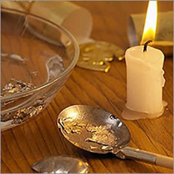 Лучшие гадания на свечах: на будущее, суженого, соперницу