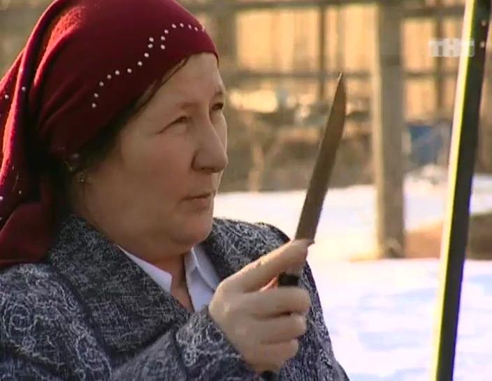 Турсуной: «купить нож мясника и зарыть его в землю». 100 самых действенных ритуалов для исполнения желаний от самых известных экстрасенсов
