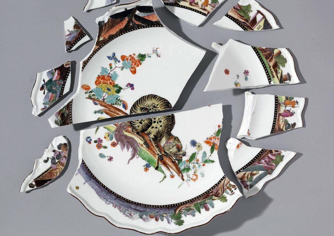 К чему разбить тарелку или блюдце в доме
