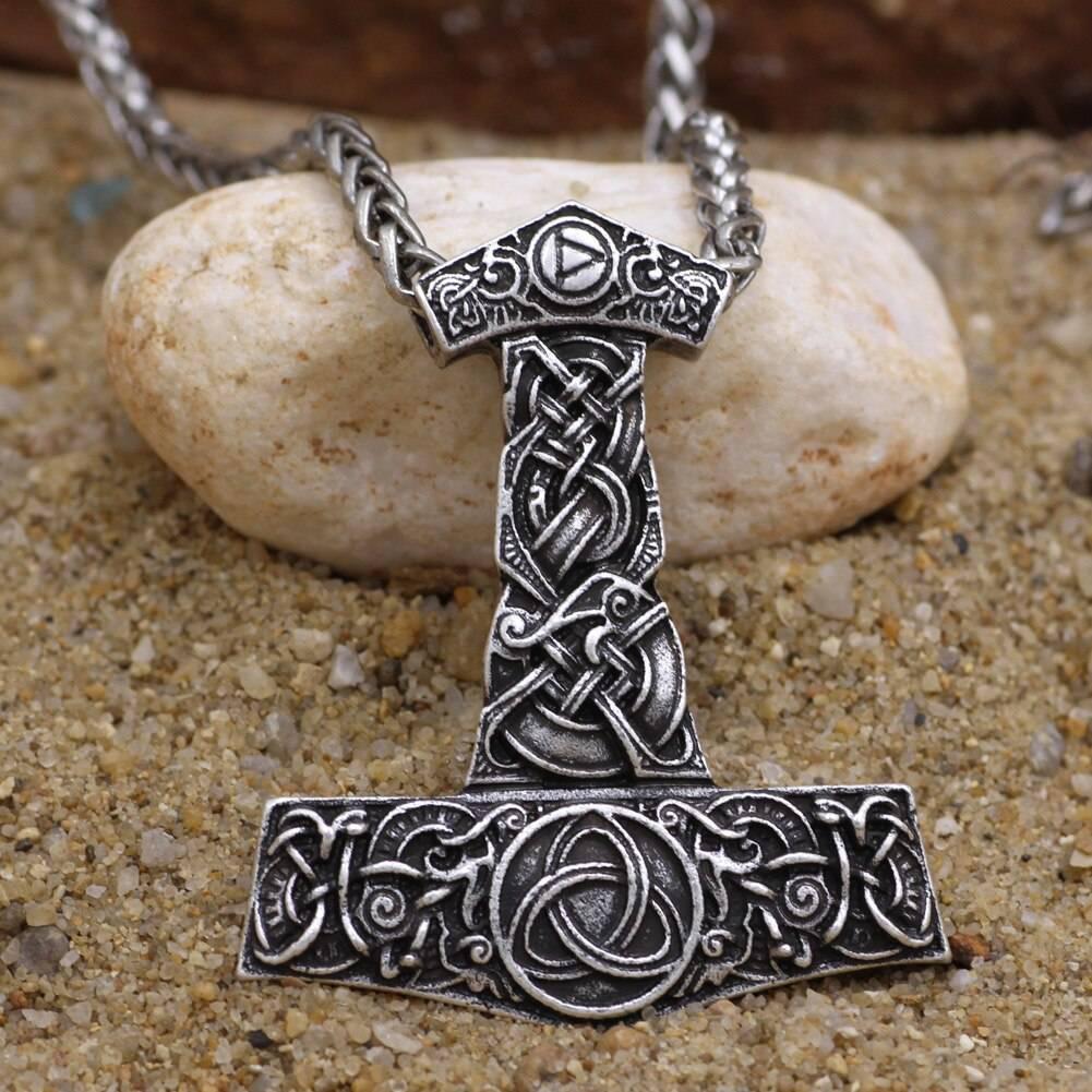 Амулет молот Тора — могучее оружие в ваших руках