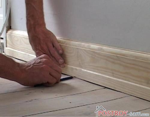 Для чего подкладывают иголки в доме: стены, двери, пол и плинтуса