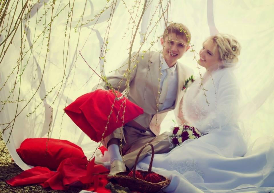 Свадьба на красную горку в мае или апреле: можно ли заключать союз и проводить венчание в этот праздник, а также сценарий торжества, приметы и традиции