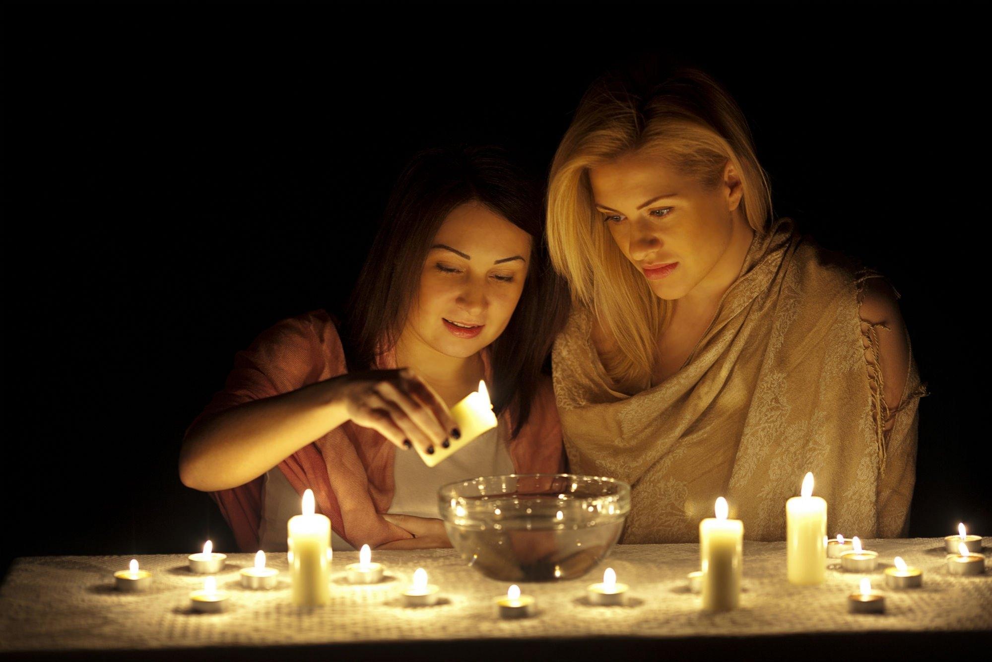 Гадания на троицу в 2020 году — популярные способы гадать на суженого и любовь