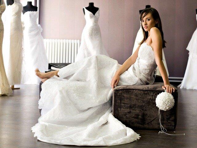Примета о примерке свадебного платья подружки?, которую в [2019] соблюдают многие – быть ли беде