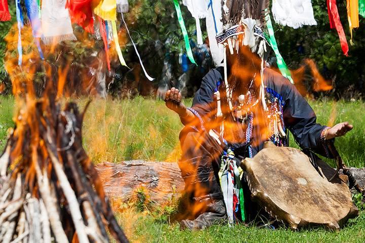 Шаманские ритуалы и атрибуты — шаманизм как религия. кружевной бубен своими руками как сделать бубен чтобы он был пушистый