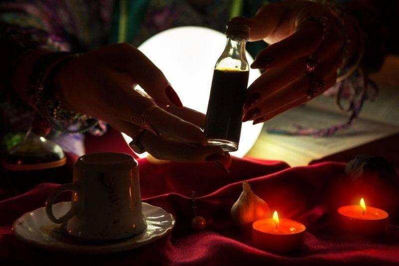 Цыганские привороты на любовь мужчины: самые сильные ритуалы на кладбище