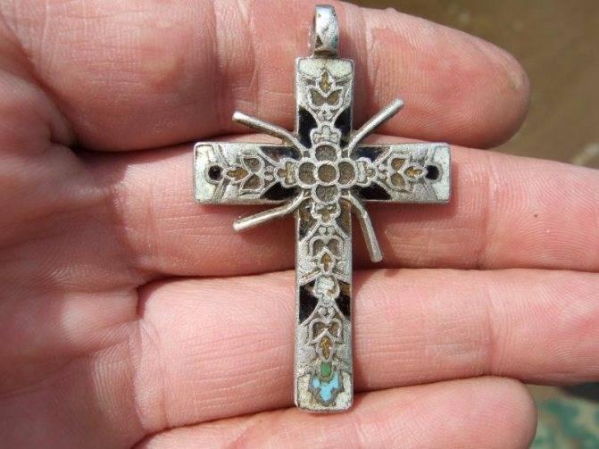 Для чего носят нательный крестик, что будет если потерять его, суеверия о православных крестиках
