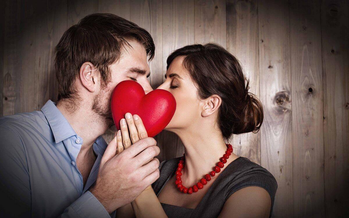 Рунический став на любовь мужчины: схема, нанесение, оговор, активация