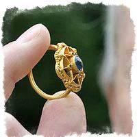 Найти кольцо золотое обручальное – как толковать примету?