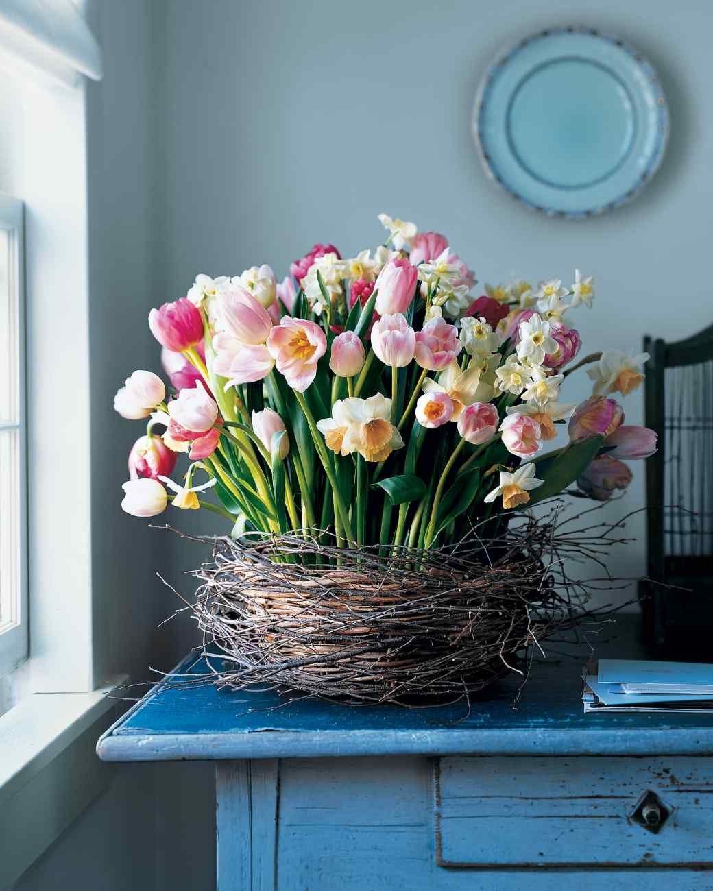 Можно ли держать в доме искусственные цветы и какие именно