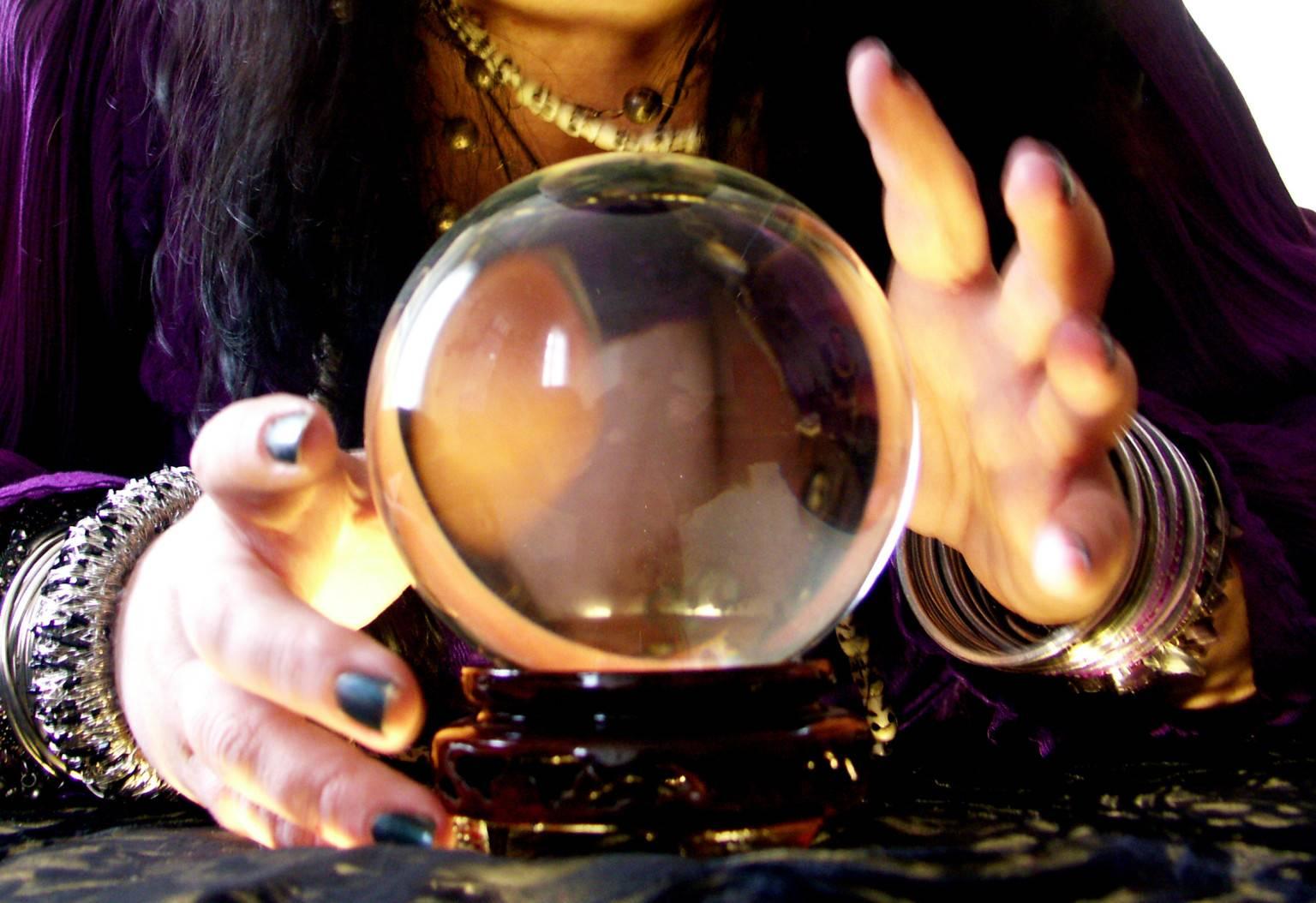 Магический кристалл для гадания. хрустальный шар и предсказание