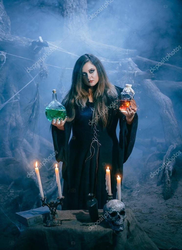 Как стать ведьмой или колдуном в реальной жизни: заговоры, заклинания, обряды и ритуалы посвящения в домашних условиях